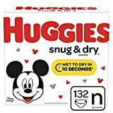 Huggies Snug & Dry Baby Diapers, Size Newborn (fits up to 10 lb.), 132 Count, Giga Jr Pack (Packaging May Vary)