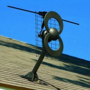 2. Antennas Direct C2-V-CJM ClearStream 2-V Long Range UHF