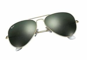 2. Ray-Ban Aviator Large Metal Sunglasses